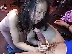 Chinese wife measuring