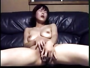 asian amateur masturbates with a small bottle rdl