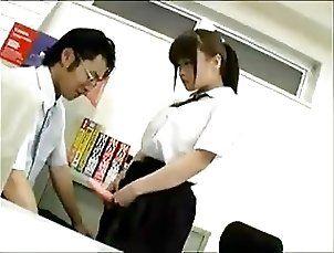 Japan Strapon - Kyonyu JK ni anaru o okasa reru ...